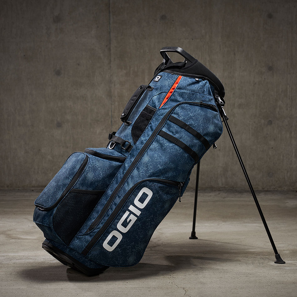 ogio-golf-bags-stand-2020-convoy-se-14-lifestyle-2