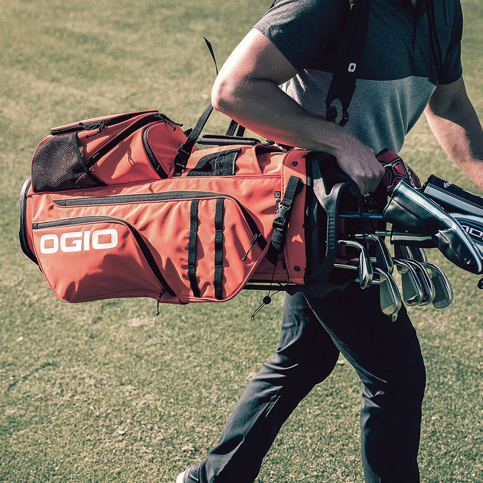 ogio-golf-bags-stand-2019-alpha-convoy-514-lifestyle-1