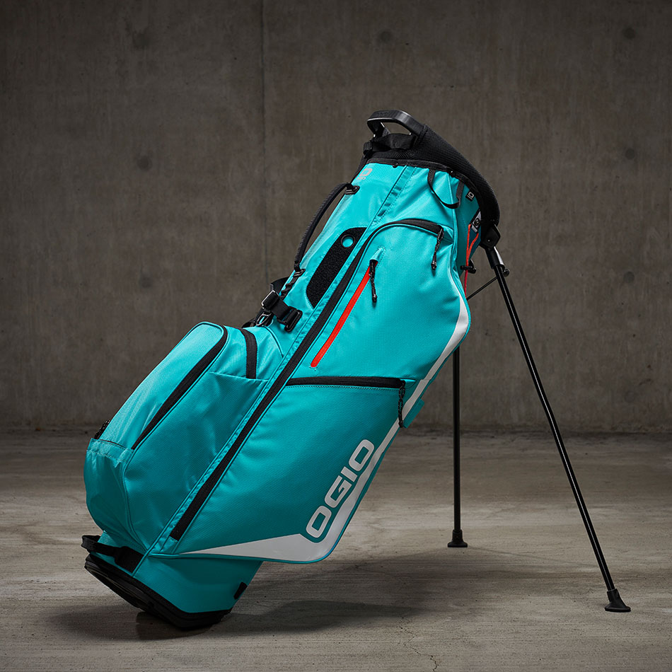 ogio-golf-bags-stand-2020-fuse-4-double-lifestyle-2