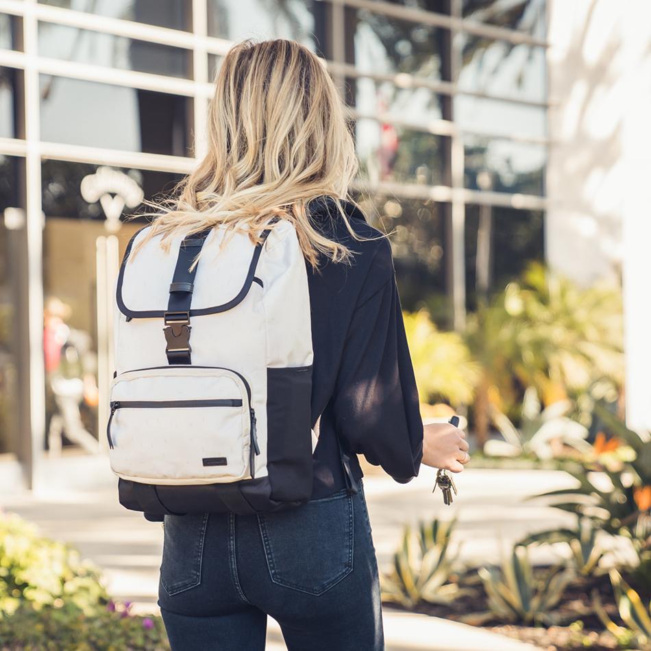 ogio-backpack-2020-xix-20-lifestyle-1