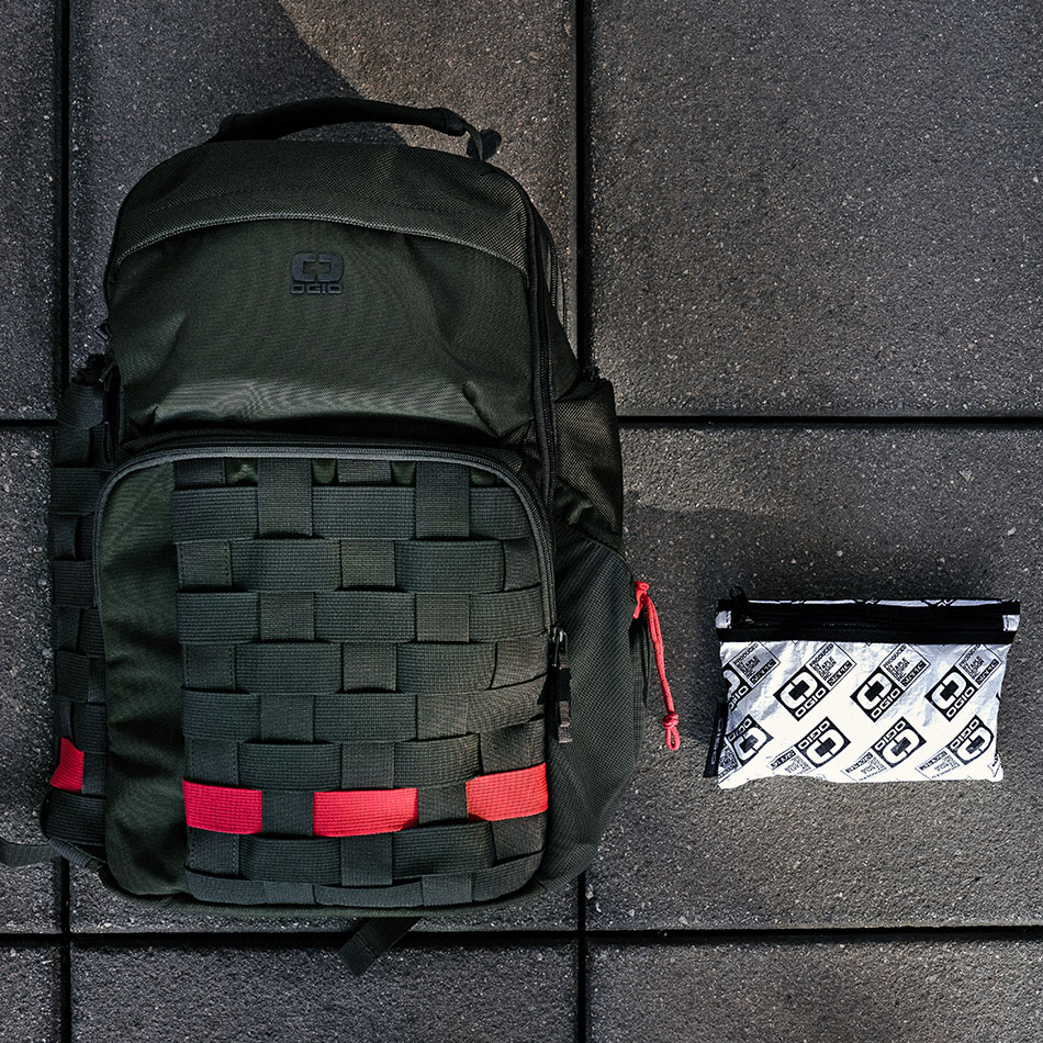 ogio-backpack-2020-staple-pace-25-lifestyle-2