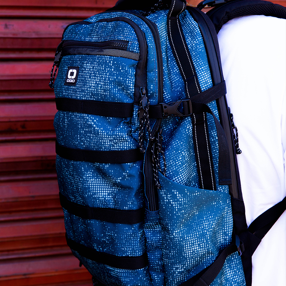 ogio-backpack2019-alpha-core-convoy-525-lifestyle-5