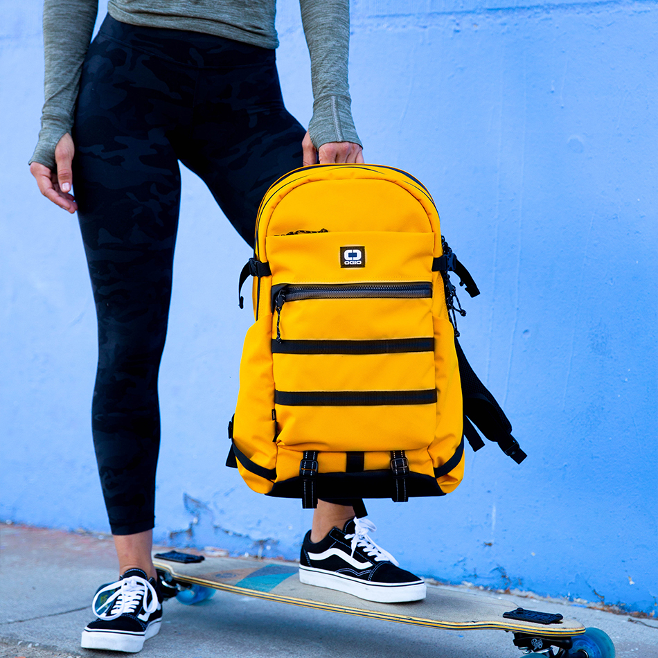 ogio-backpack2019-alpha-core-convoy-320-lifestyle-5
