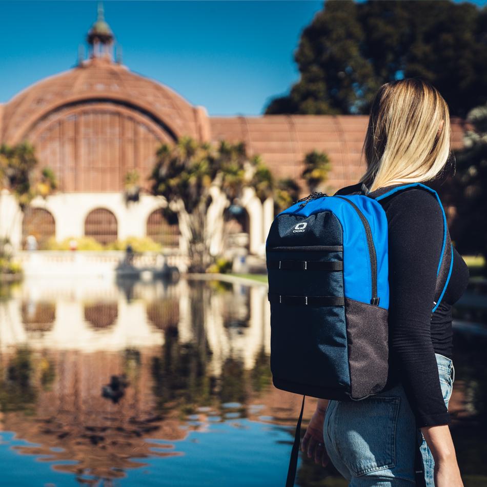 alpha-20-backpack-lifestyle-4
