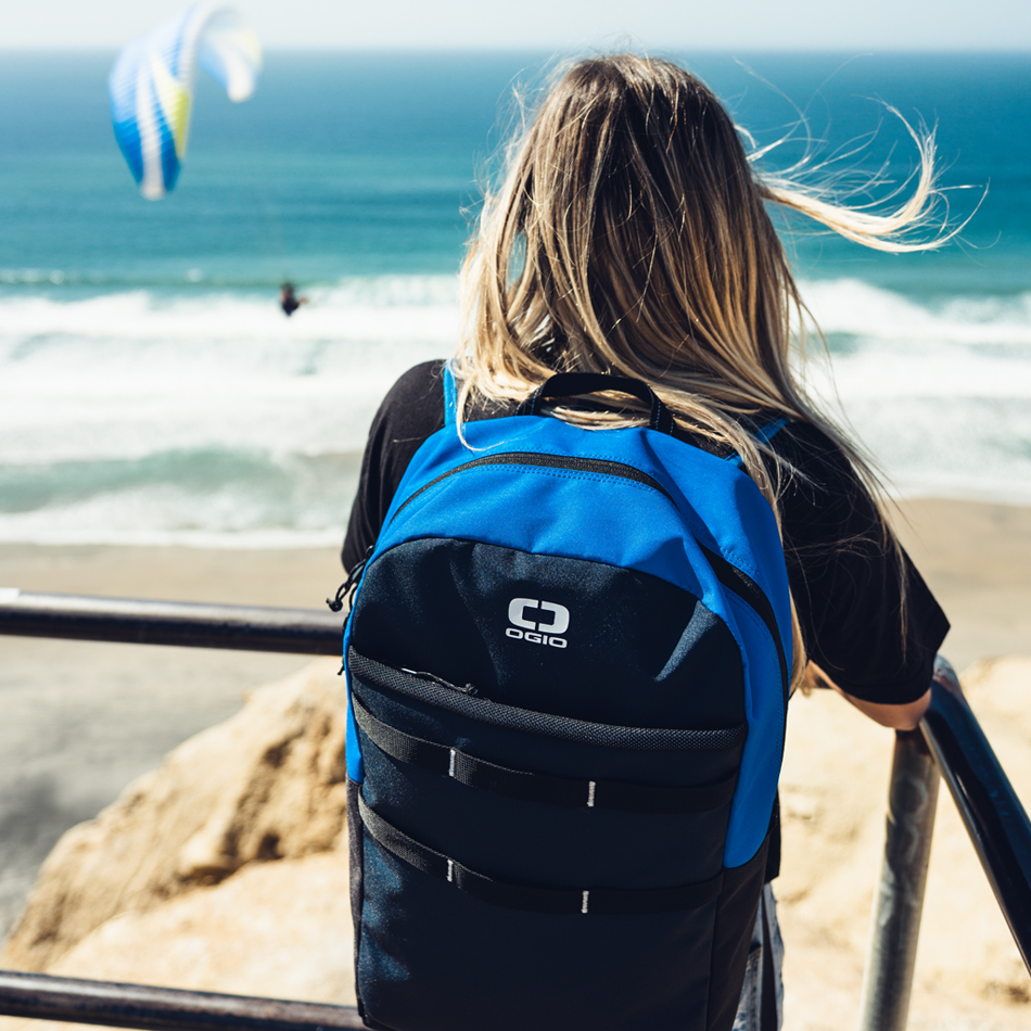 alpha-20-backpack-lifestyle-5