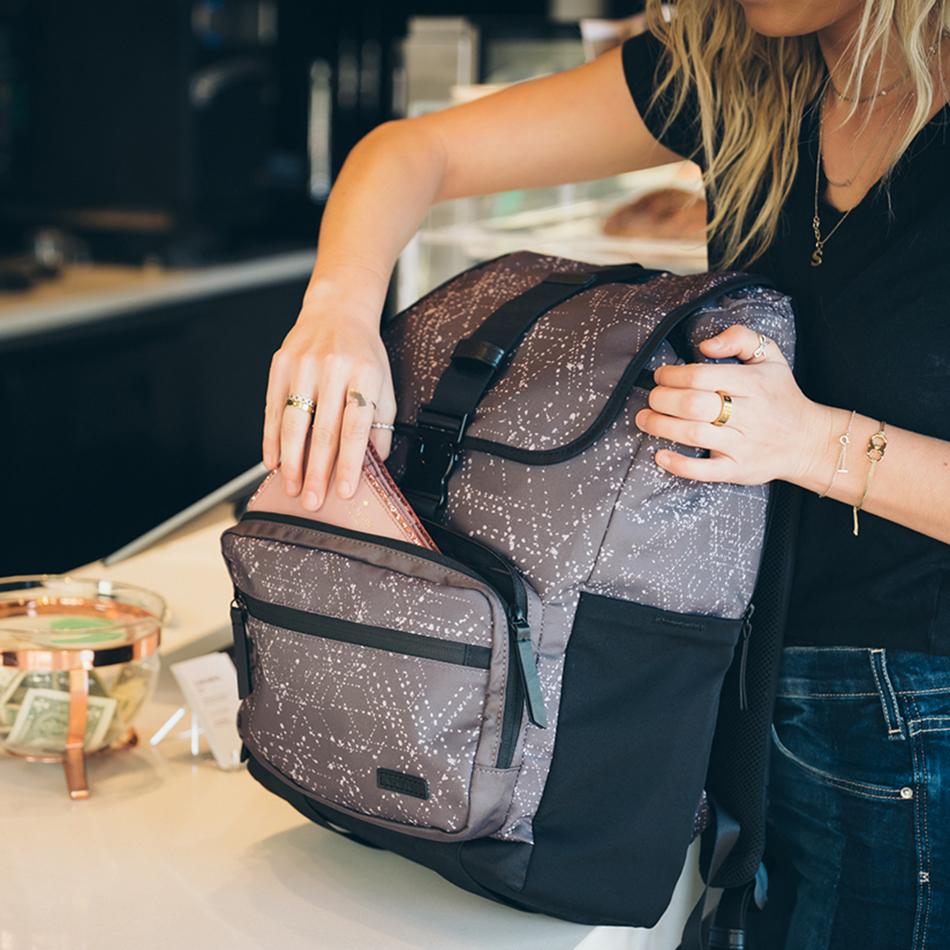 ogio-backpack-2020-xix-20-lifestyle-2