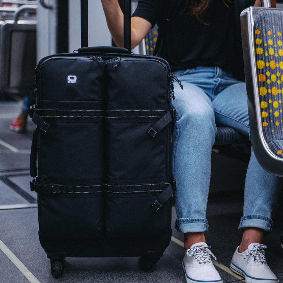 ogio-bags-travel-2019-alpha-core-convoy-526s-lifestyle-3